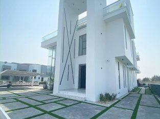5 BEDROOM DETACH DUPLEX HOUSE WITH A SWIMMING POOL, PENTHOUSE AND WITH A CINEMA FOR SALE